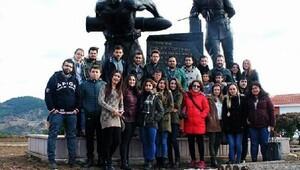 Üniversite öğrencilerine tarihi ve turistik gezi