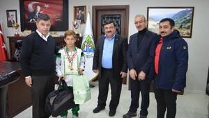 Başkan Kocatepe'den sporculara altın madalya
