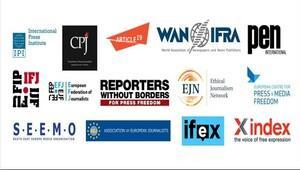 Tutuklu gazeteciler için Silivri Cezaevinde eylem
