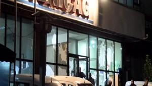 Yeniçağ Gazetesi Binasına taşlı sopalı saldırı(FOTOĞRAF)