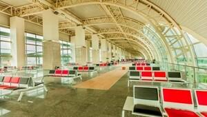İsviçreli gazetecilerden Alman zannedildik, havalimanında bekletildik iddiası