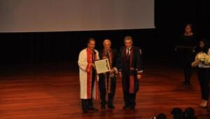 Prof. Dr. Metin Sözen'e onursal doktora