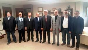 Altınovadaki çicekciliği Kocaeli Büyükşehir Belediye Başkanına anlattılar