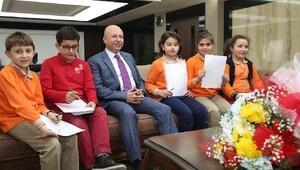 Başkan Çolakbayrakdar ilkokul öğrencilerini ağırladı