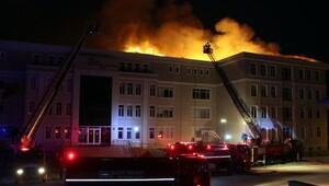 İmam Hatip Lisesinin çatısı yandı