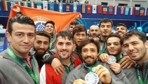 İstanbul Büyükşehir Belediyesi Grekoromen Güreş Takımı dünya 2.si oldu