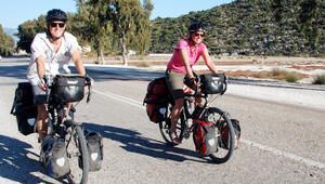 İngiliz çift bisikletle dünya turuna çıktı
