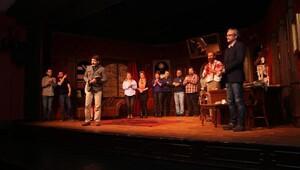Şehir Tiyatrolarının yeni oyunu sahnede