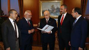 Yeni Anayasa teklifi Meclis Başkanlığına sunuldu