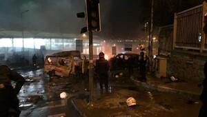 Beşiktaşta çevik kuvvete saldırı