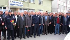 Bilecikte muhtarların polis merkezine taziye ziyareti