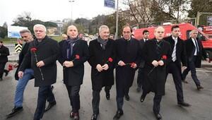 Bakan Kılıç ve Başkanlar Şehitler Tepesine yürüdü