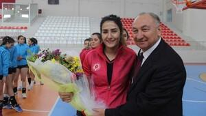 CÜde Taha Akgül Spor Salonu açıldı