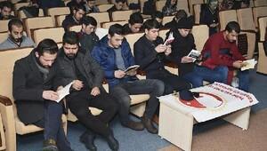 Karamanoğlu Mehmetbey Üniversitesinde kitap okuma etkinliği