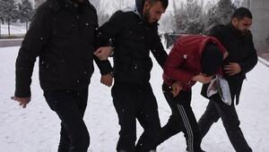 Lise öğrencilerine bıçaklı gasp şüphelileri yakalandı