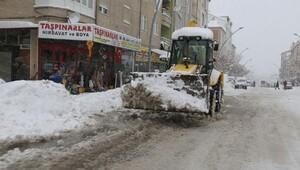Karaman Belediyesinin kar mücadelesi devam ediyor