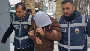 Telefon dolandırıcısının 2 kuryesini polis Boluda yakaladı