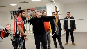 Kayseri Büyükşehir Belediye Başkanı Çelik, okçuluk tesisinin açılışını yaptı