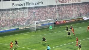 Bornova lider takımları ağırlıyor