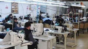 Tekstil fabrikasına 2 bin TL'ye çalışacak işçi bulunamıyor