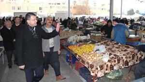 Başkan Turgutun pazar mesaisi