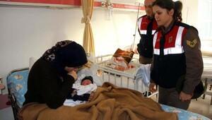 Fethiyede umut yolculuğunda yakalanan Filistinli kadın hastanede doğum yaptı