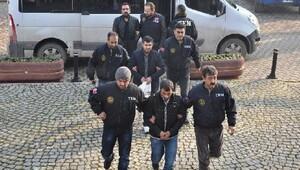 İnegöl'de sosyal medyadan terör propagandasına 3 tutuklama