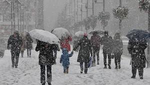 Üniversitelinin kar ile imtihanı
