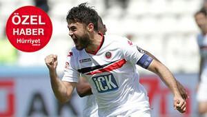 Galatasarayın ilk transferi Ahmet Çalık...