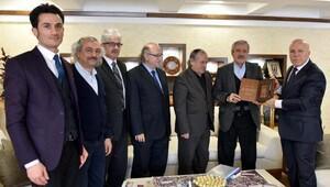 Başkan Sekmen, Yazarları bilgilendirdi