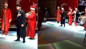 Aykut Demir, düğününe mehter takımıyla geldi
