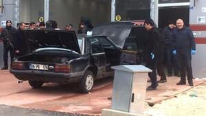 Kavga şüphelilerinin aracından el bombaları ve tabancalar çıktı