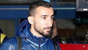 Fenerbahçeden Mehmet Topal ve Reina açıklaması