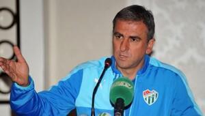 Bursaspor Teknik Direktörü Hamzaoğlu: 3 ya da 4 oyuncu transfer edeceğiz