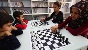 Bayraklıda satranç kursuna ilgi