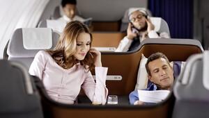 Uçakta gençler internet, yaşlılar özenli kabin memuru istiyor