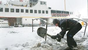 İstanbullunun kar çilesi
