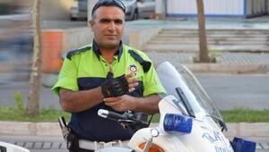 Şehit polis memuru Fethi Sekinin ölen annesine ağıdı, yürek dağladı