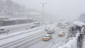 İBB: İstanbulda kar kalınlığı 122 cmye ulaştı