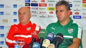 Bursaspor teknik direktörü: Uyum sağlayacak oyuncu arıyoruz