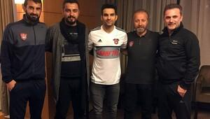 Trabzonspor, 2 futbolcuyu KAPa bildirdi