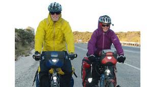 Hollandalı çift bisikletle dünya turuna çıktı