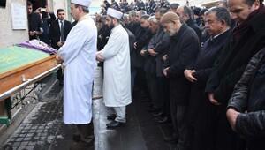 Bakan İsmet Yılmaz yengesinin cenazesine katıldı