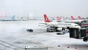 Hava koşulları uçuşları vurdu