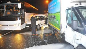 İzmirde zincirleme trafik kazası 20 araç birbirine girdi