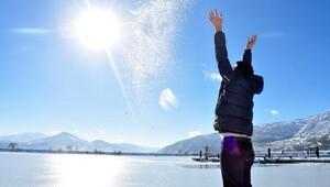 Eğirdir Gölünde kış güzelliği