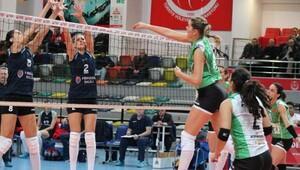 Bursa Büyükşehir Belediyespor - Stiinta Bacau: 3-1 (CEV Challange Cup)