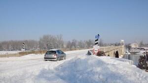 Trakyada kar, yerini buzlanmaya bıraktı