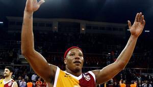 David Hawkins basketbola dönüyor