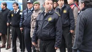 Jandarma sedyede ifade almak isteyince olay çıktı; 13 gözaltı